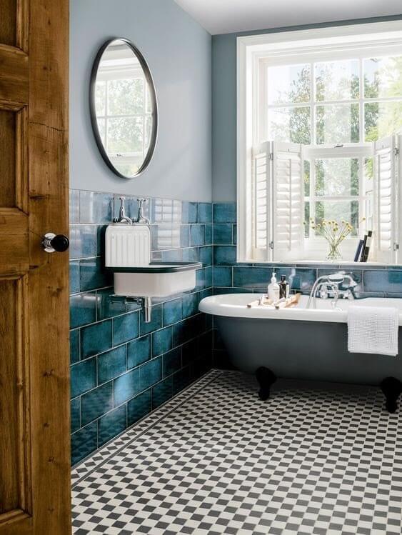 Aquamarine Bathroom Border Wall