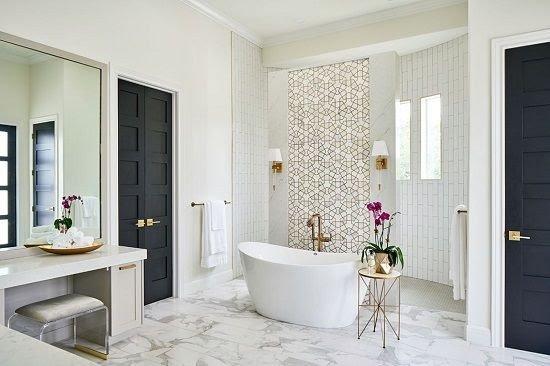 Inspiring Gold Touches Wallpaper Behind Bathtub