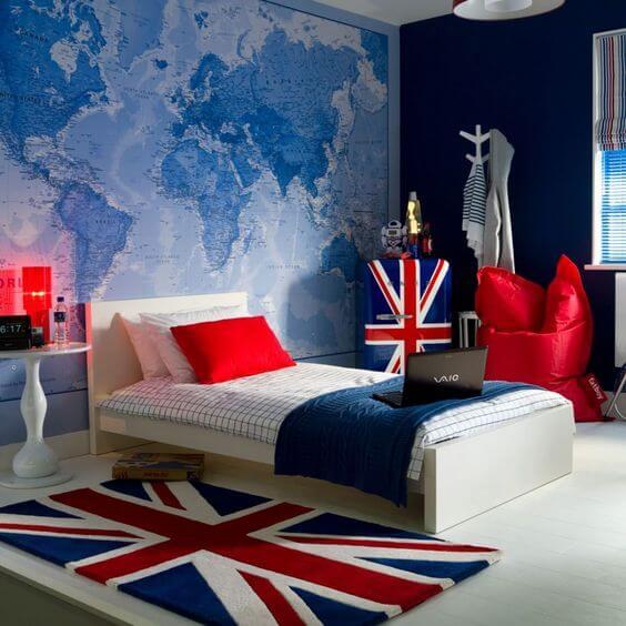 Travel-Themed Decor For a Teen Boy's Bedroom