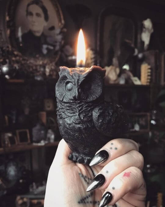 Decorate Your Bedroom with Small Gothic-Style Candle