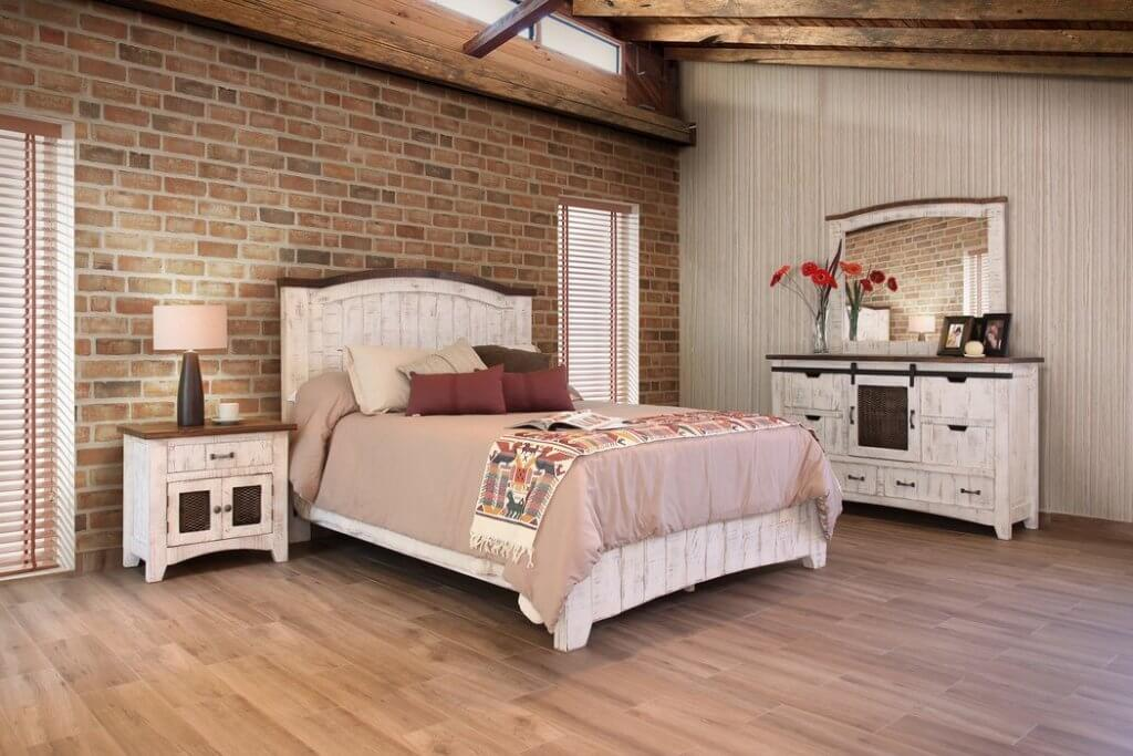 30+ Farmhouse Bedroom Ideas with a Rustic Chic Flair (2021)