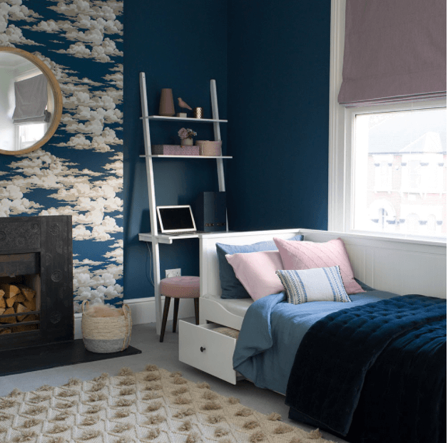 Choose Navy Color to Create A Restful Bedroom