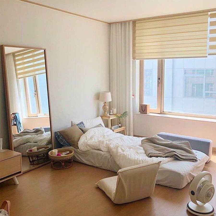 Modern Korean-Style Bedroom for Teenager